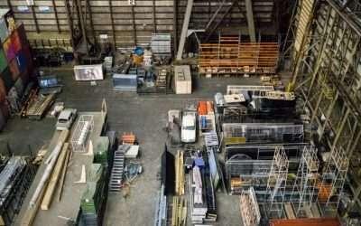 Qual a diferença entre estoque e armazenagem?